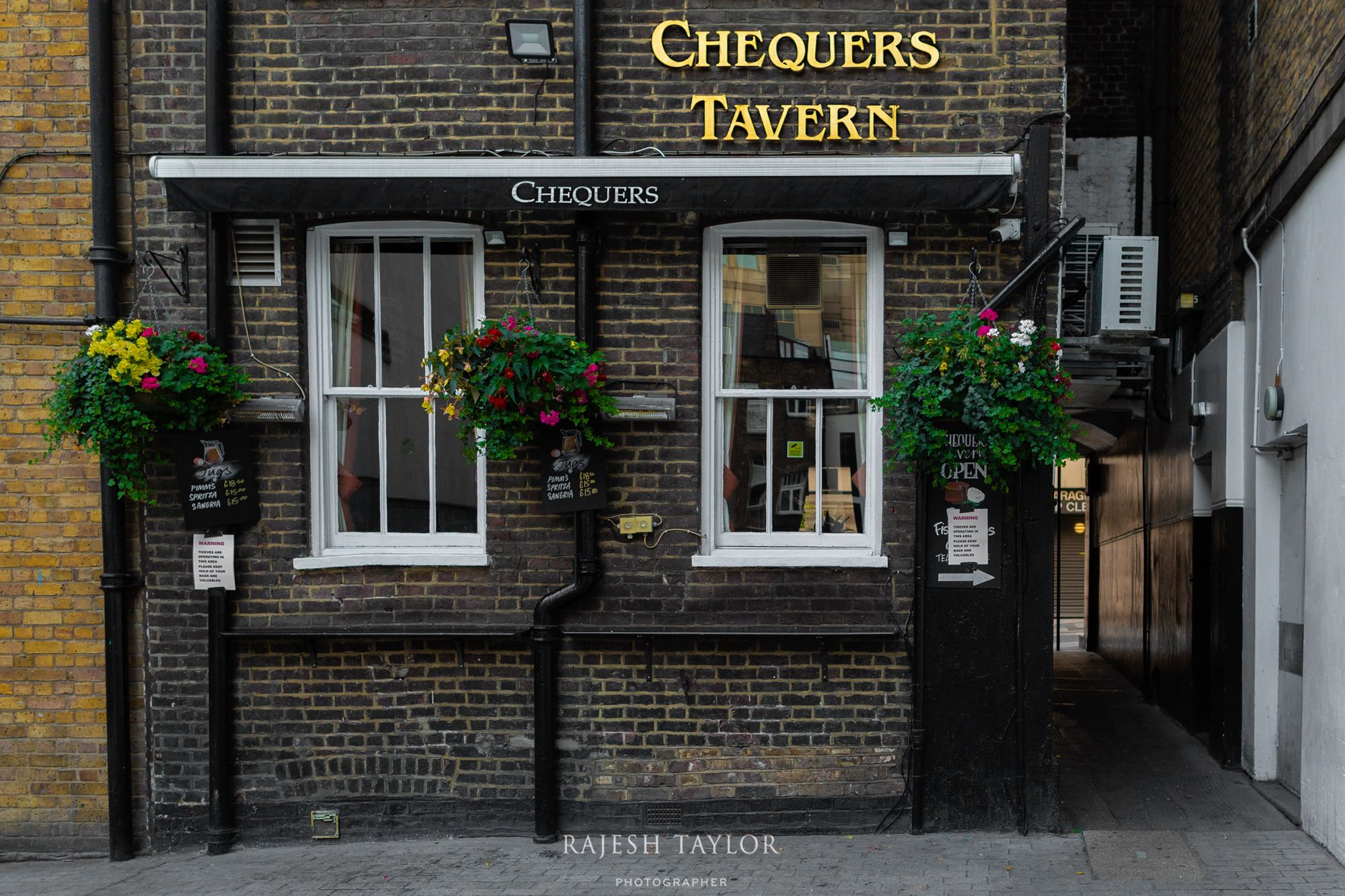 Rear of Chequers Tavern from Mason's Yard © Rajesh Taylor