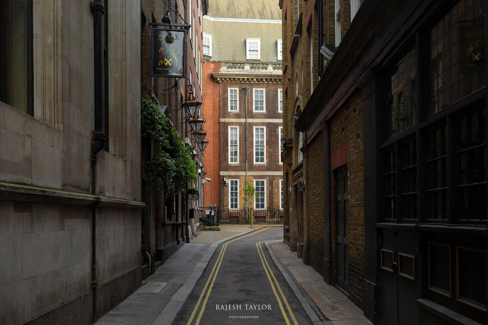 Craig's Court towards Harrington House © Rajesh Taylor